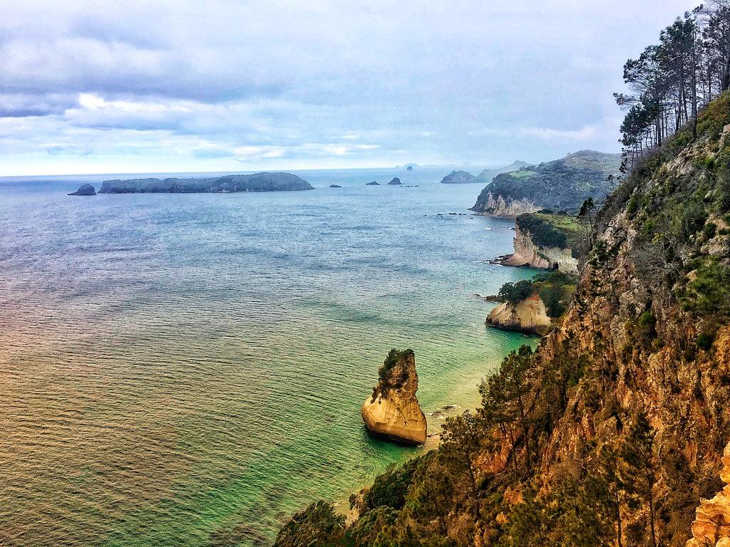 cathedral cove coastal views New Zealand