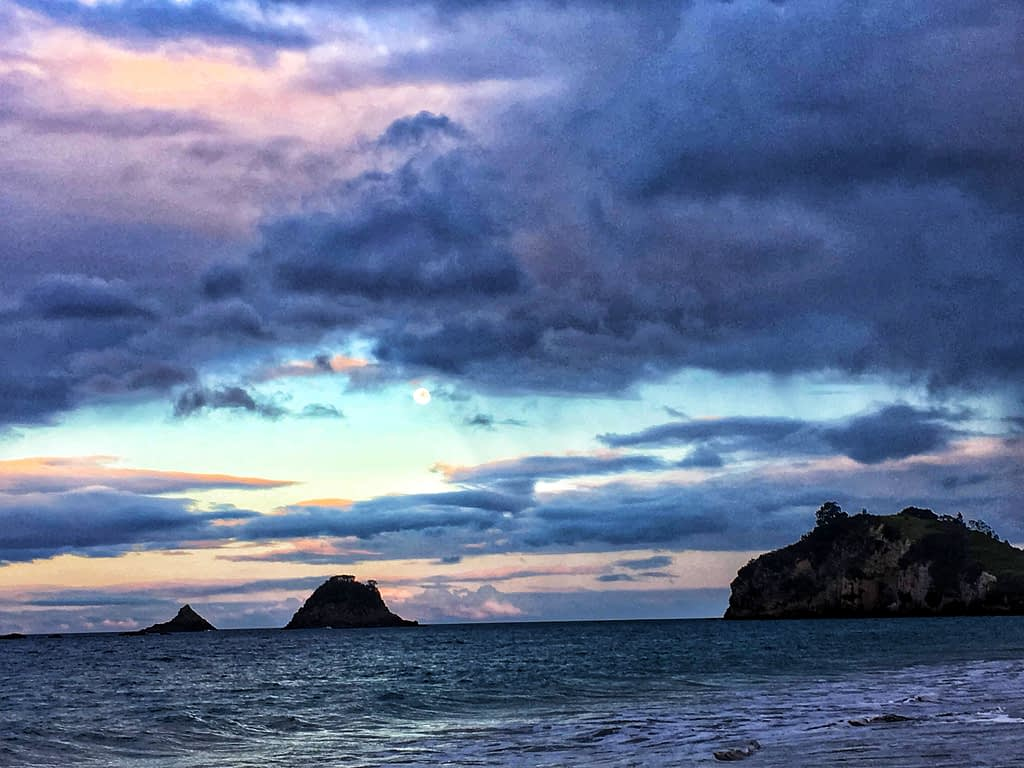 Cathedral Cove sunset beach New Zealand